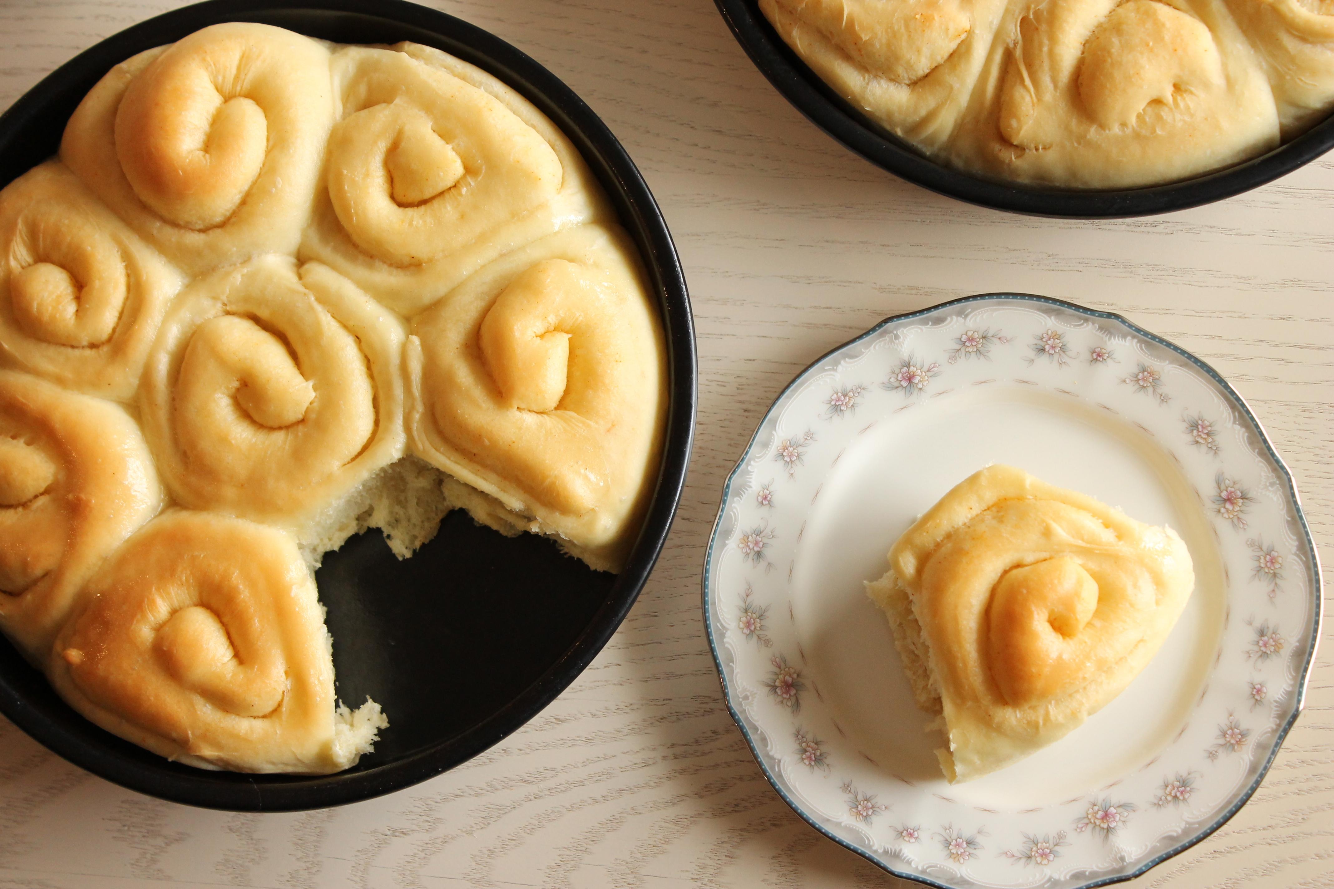 buttery sourdough rolls stephie cooks