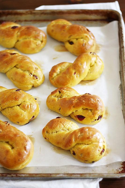 girl v dough cranberry twists
