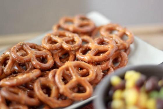 taco-seasoned-pretzels bake your day