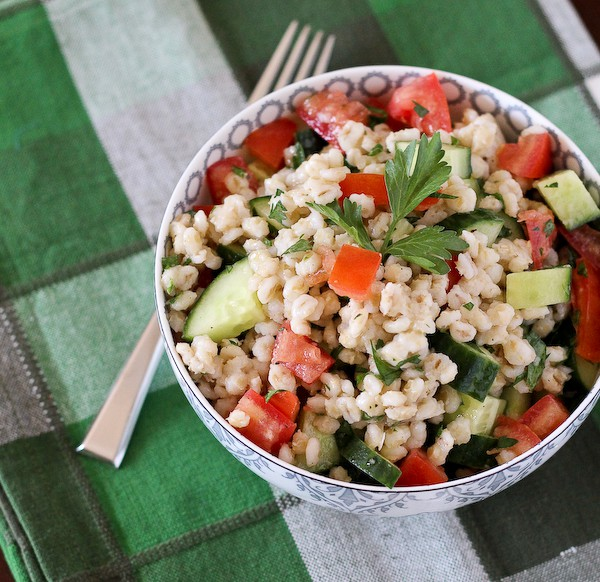 barley-salad-tomatoes-cucumbers-parsley-600 (2 of 3)