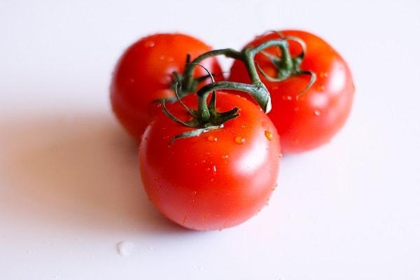 tomato_salad_stacks_with_herb_yogurt_dressing_2
